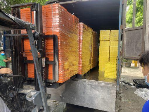 Sàn lợn 40x110cm Nhựa Bình Thuận - Số lượng lớn